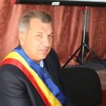 """Primarul Marian Răducan: """"Jumătatea din bugetul Primăriei comunei Şişeşti se duce la şcoală"""""""