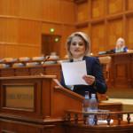 """Deputata Alina Teiş: """"Şi ei aşteaptă daruri…"""""""