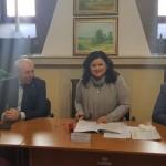 """S-a semnat contractul pentru modernizarea iluminatului public în oraşul Strehaia. Aladin Georgescu: """"Investiţia este deosebit de importantă"""""""