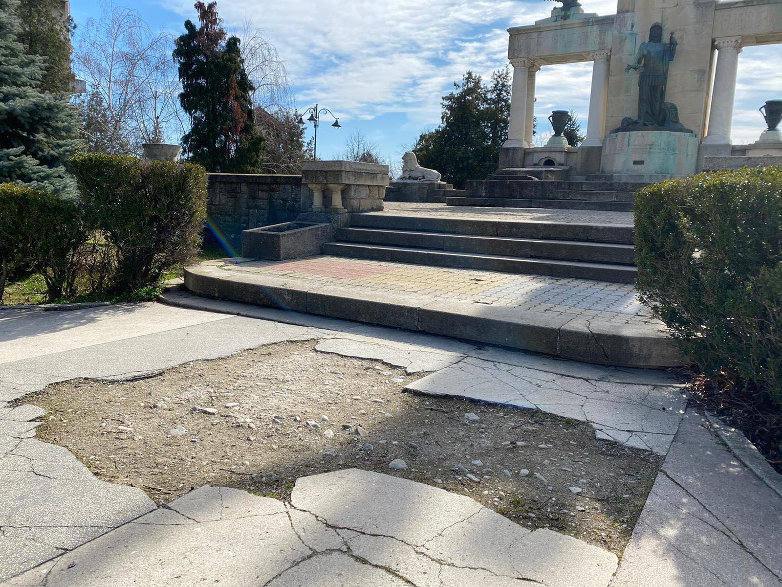 Monumentul_Eroilor