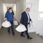 A început distribuirea pachetelor de protecție pentru fiecare familie din Drobeta Turnu Severin. Acțiunea va dura aproximativ două săptămâni
