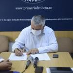"""Marius Screciu: """"Am semnat contractul pentru realizarea a 8,9 km de piste pentru biciclete în Drobeta Turnu Severin, pe fonduri europene"""""""